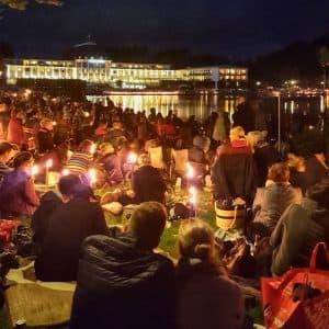 Musik und Licht am Hollersee – ein Lichtermeer für den Bürgerpark