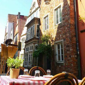 Gemütlich essen und trinken: Cafés und Restaurants im Schnoor-Viertel