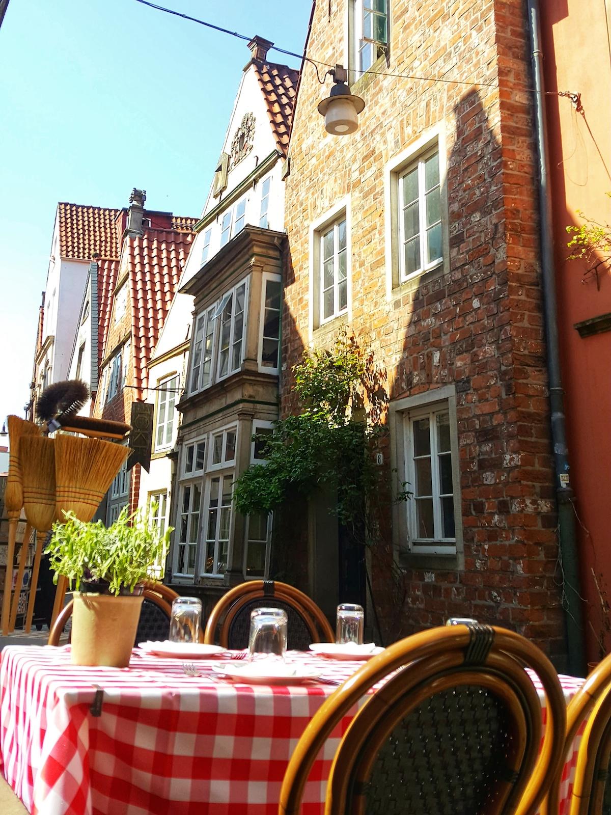 Gedeckter Tisch im Schnoorviertel Bremen