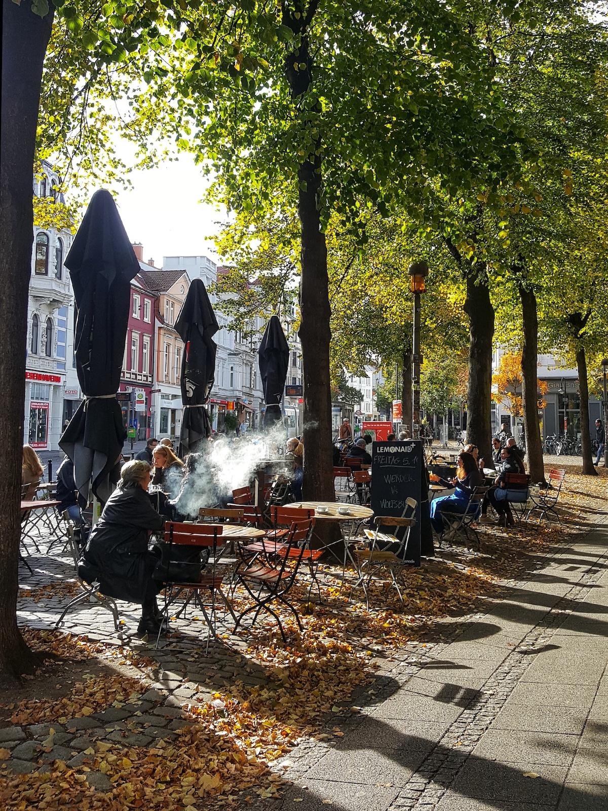 Straßencafe im Viertel in bremen